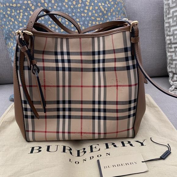 Burberry Handbags - 100% Authentic Burberry Bag OnSale!  $490 FIRM🌷💕